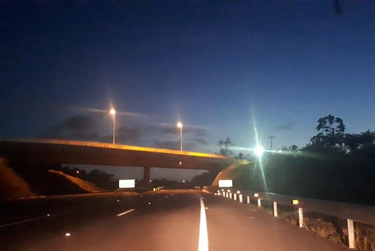 Via Metropolitana: trechos da rodovia recebem iluminação pública