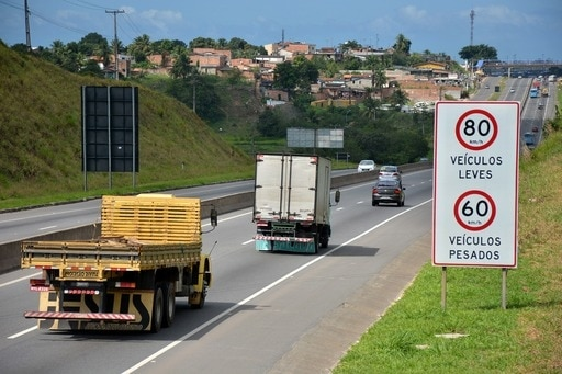 Redutores de velocidade garantem segurança no Sistema BA-093