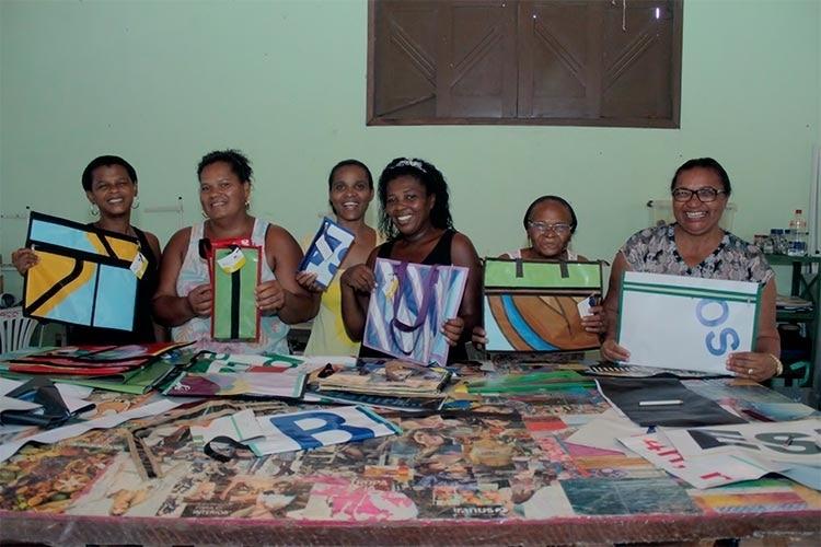 Reaproveitamento de banners muda vida de comunidade em Candeias